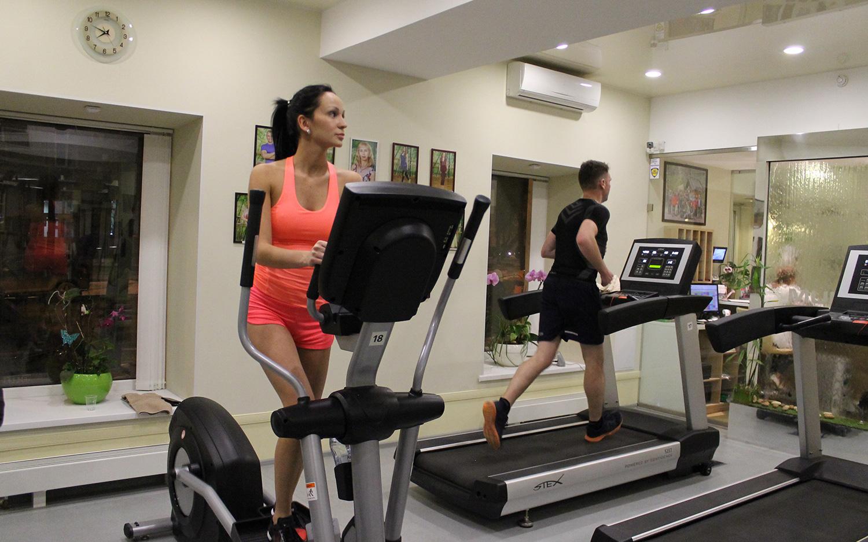 Групповые занятия в фитнес клубе для мужчин фитнес ирины волк в москве клуб